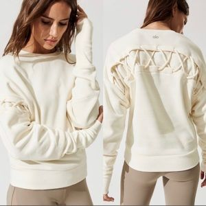 ☁️NWT Alo Hook- Up Long Sleeve Top in Pristine